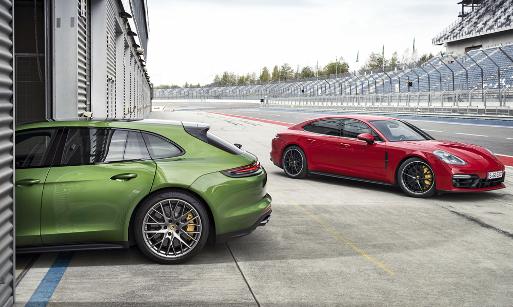 The new Porsche Panamera GTS and Panamera GTS Sport Turismo have been revealed.