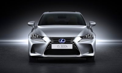 Lexus IS300h front