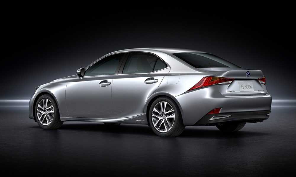 The powertrain makes for a relaxed and comfortable driving experience.