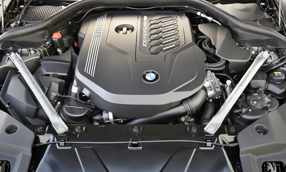 In M40i guise, the straight-six churns out 250 kW.
