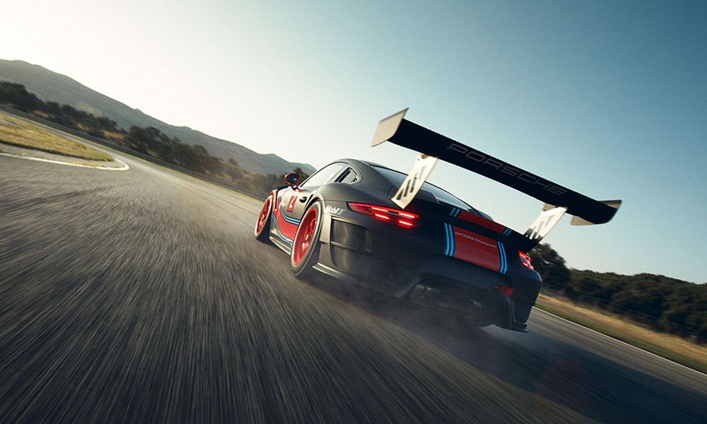 This model is based on the outgoing 911. Look at that wing!