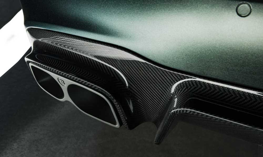 The diffuser is finished in gloss carbon while the exhaust gets a ceramic coating.