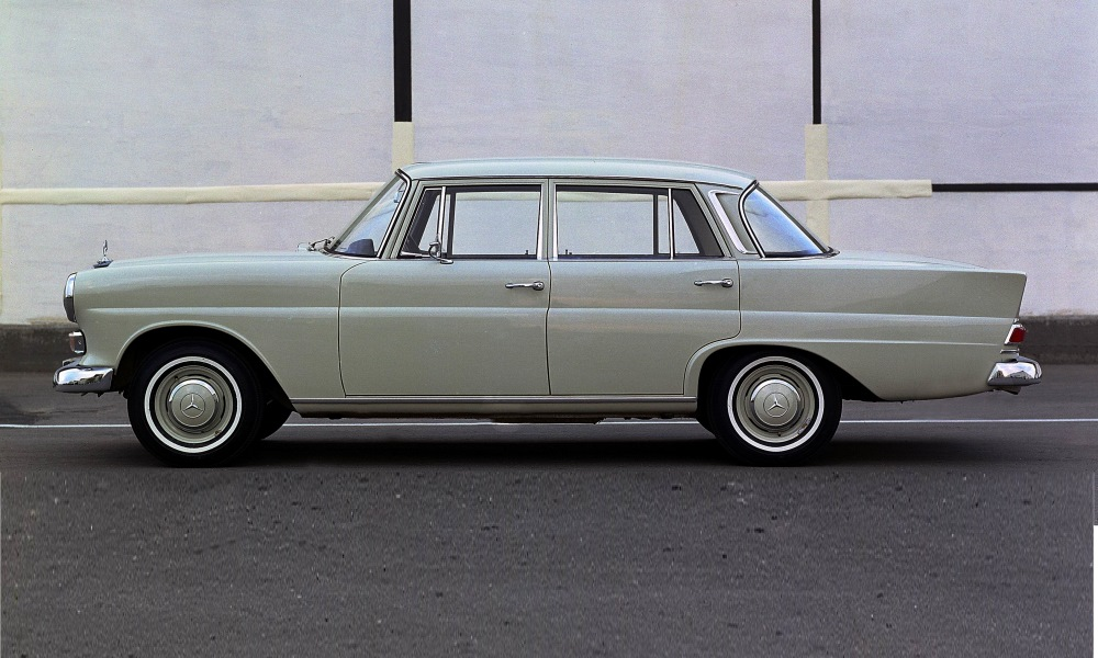 This later version of the W110 featured the indicators below the headlamps.