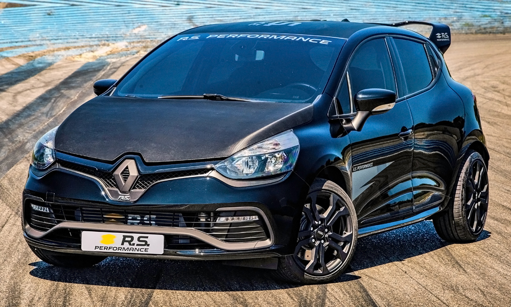 Renault has announced the launch of new RS Performance parts.