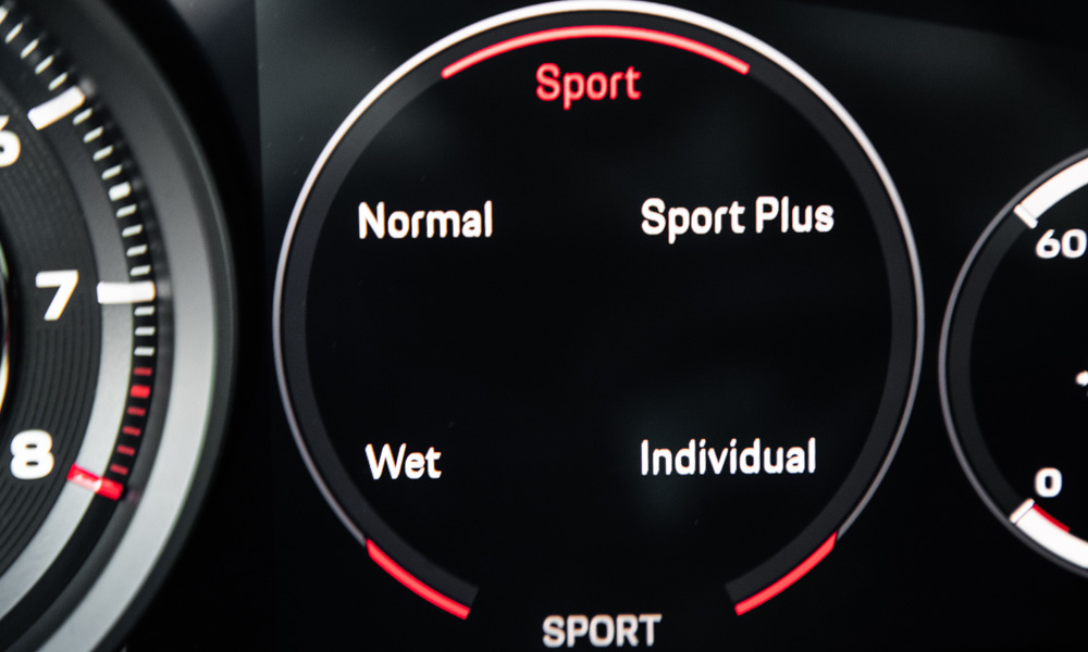 The different driving modes. Wet is new to the range.