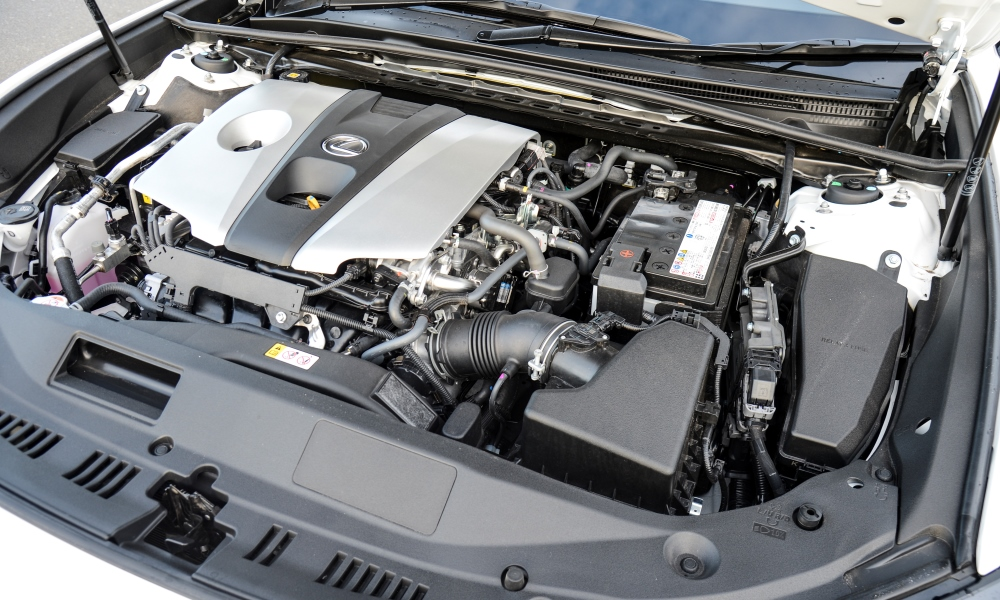 2,5-litre engine better suited to cruising speeds than being rushed.