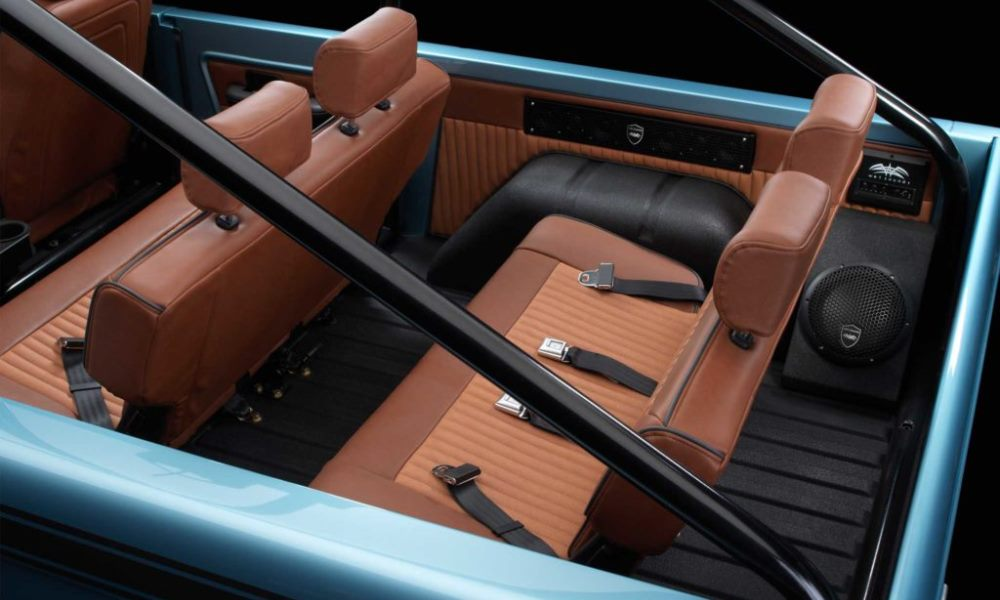 Plush leather seats to compliment the open-top experience.