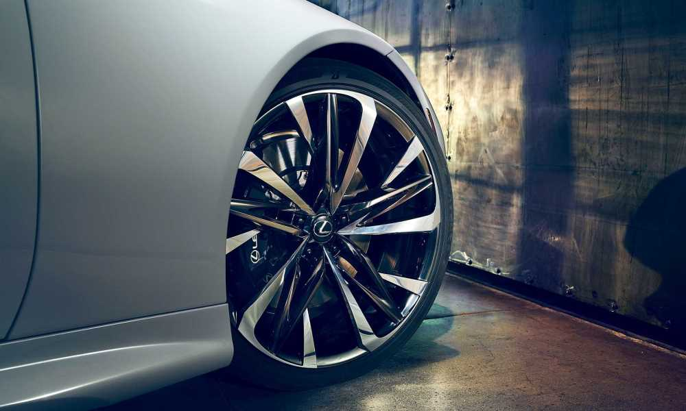 22-inch wheels are a must.
