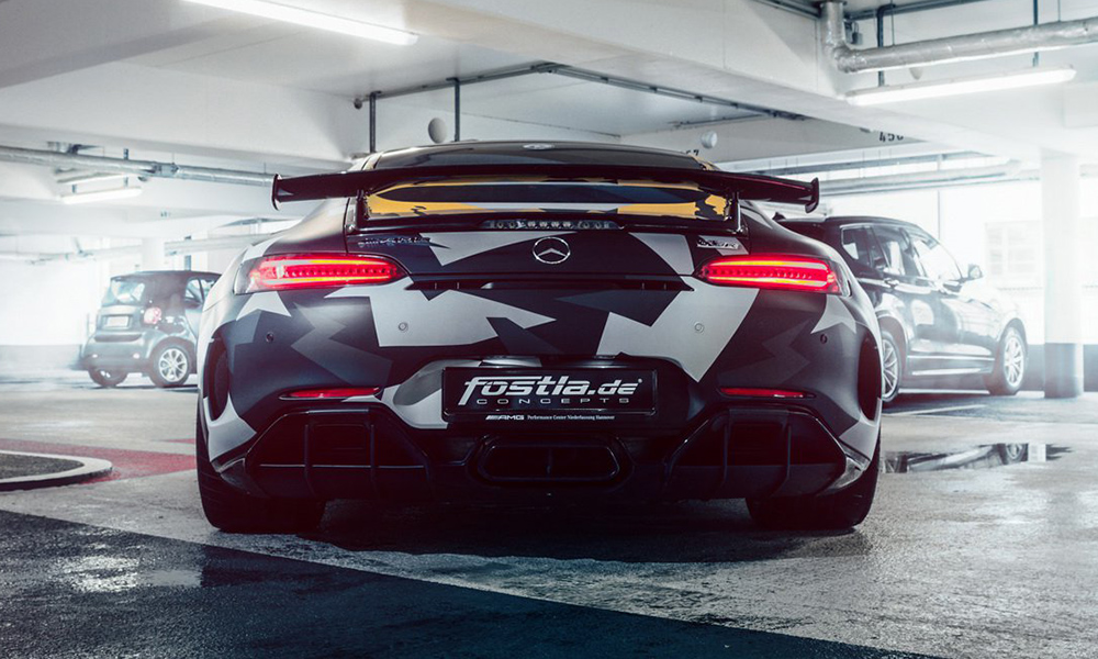 The rear has been wrapped in darker 'urban camo'.