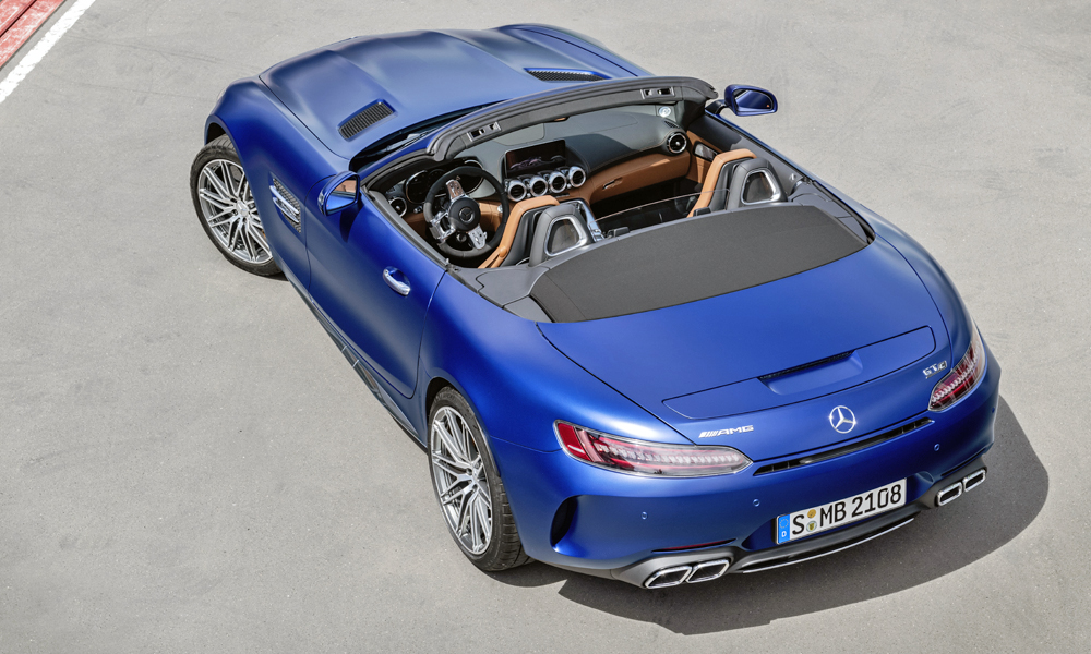 The facelifted GT C Roadster in brilliant blue.