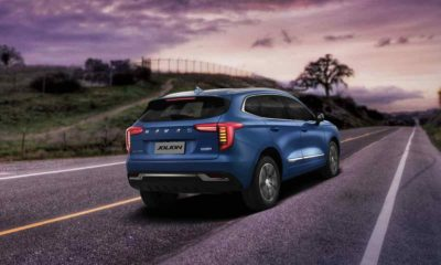 Haval Jolion rear quarter driving