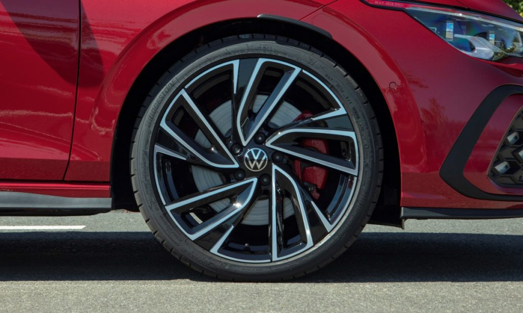 Volkswagen Golf GTI optional extra pricing south africa wheel