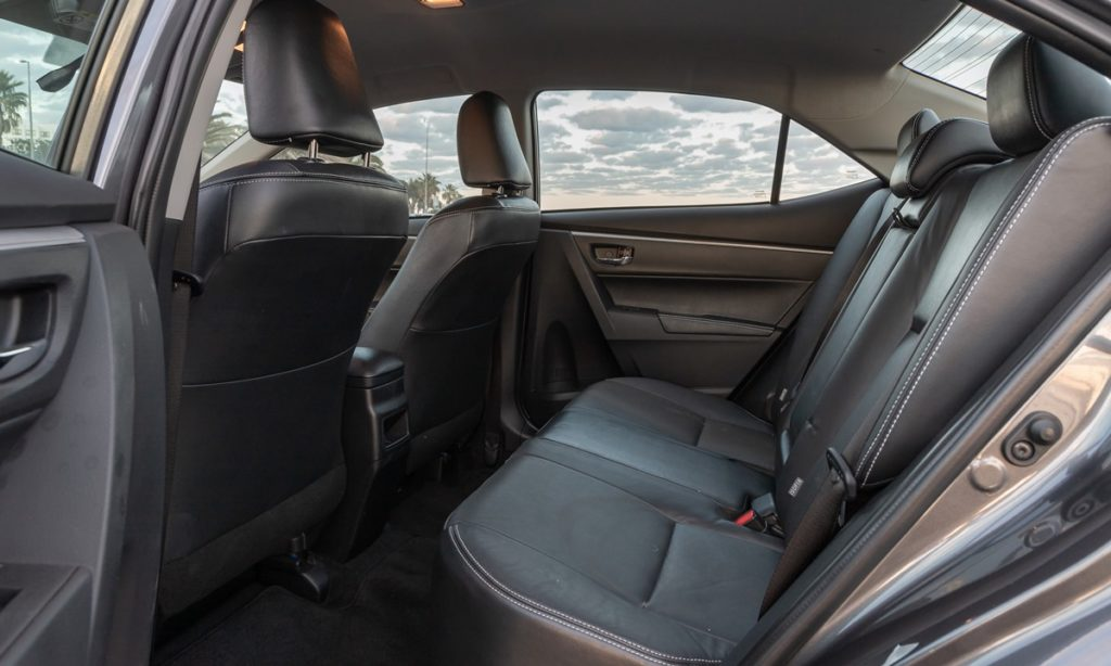 Toyota Corolla Quest Exclusive rear seats