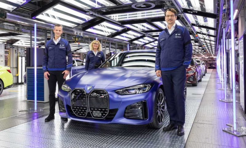 All-electric BMW i4 production officially kicks-off at Munich plant